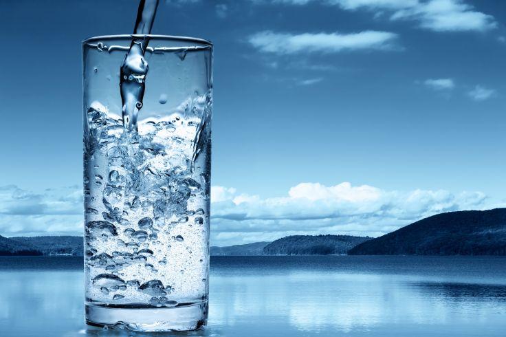 diferencia entre agua filtrada y agua purificada