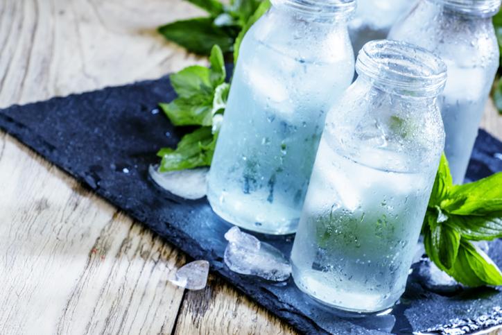 agua purificada y minerales