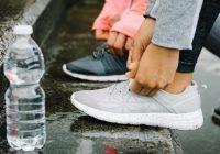 razones para dejar de comprar agua embotellada