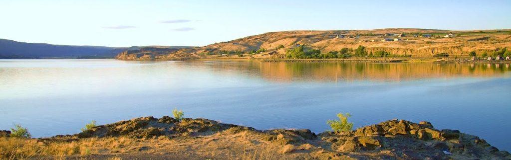 Soap Lake en Washington es un lago alcalino